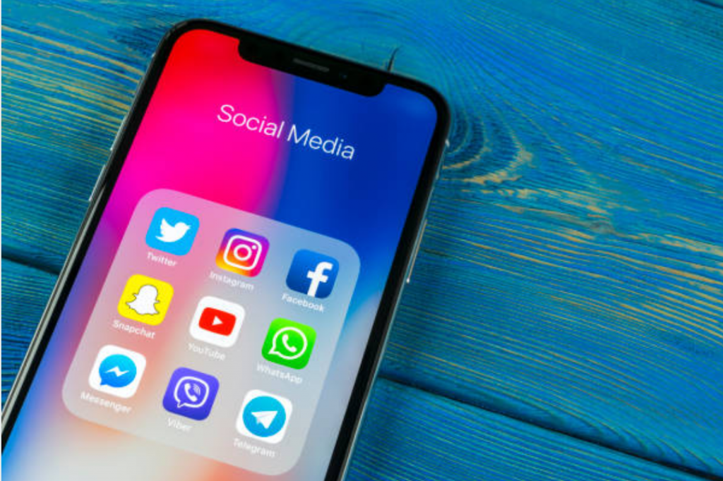 social media apps on iphone x